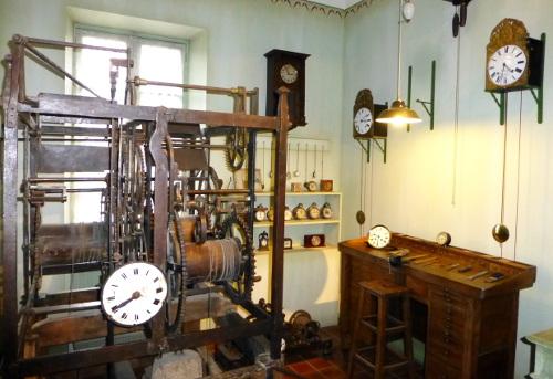 comment arreter la sonnerie d une horloge comtoise. Black Bedroom Furniture Sets. Home Design Ideas